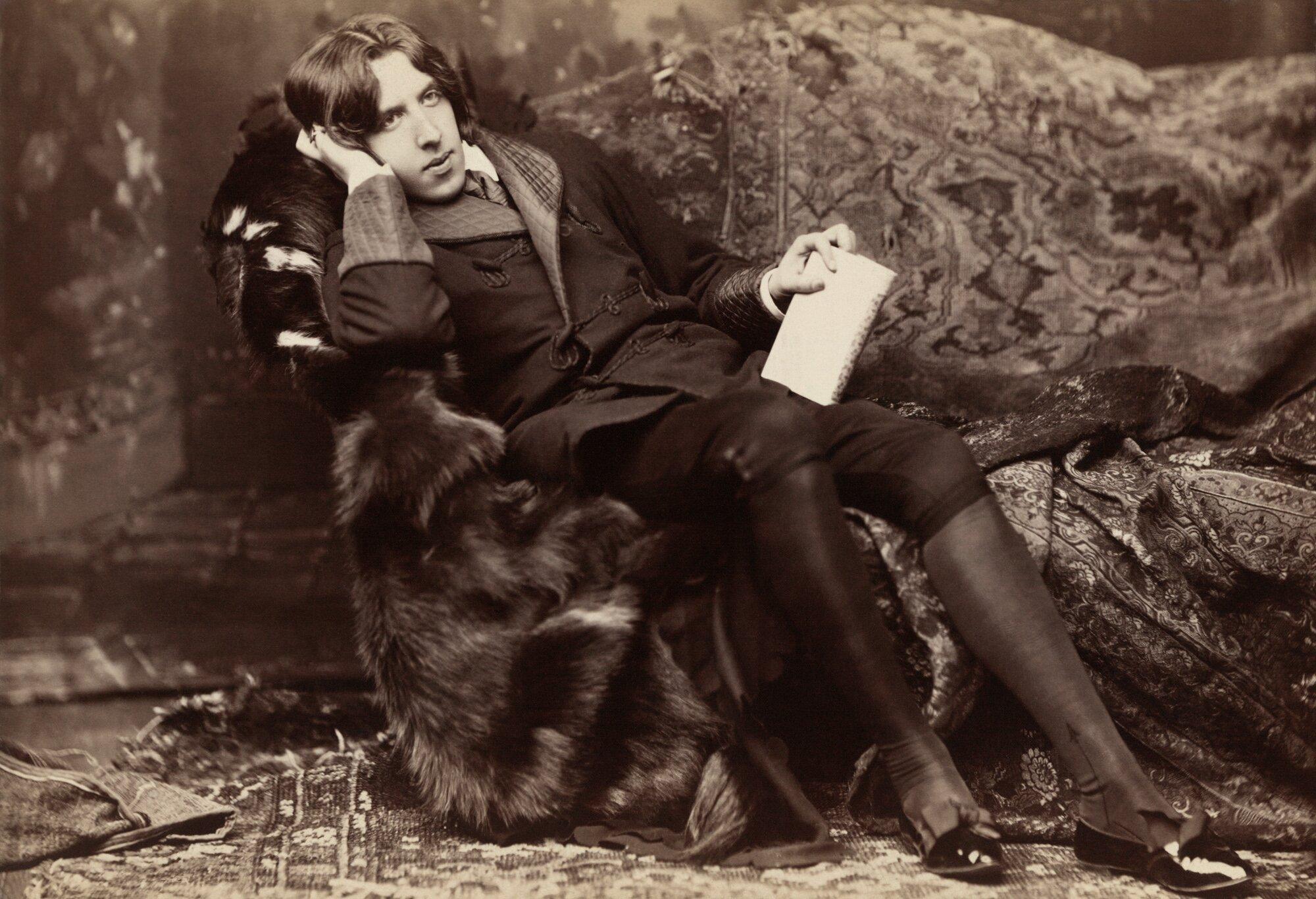 Portret OscaraWilde'a Portret OscaraWilde'a Źródło: Napoleon Saron, 1882, Metropolitan Museum of Art, domena publiczna.