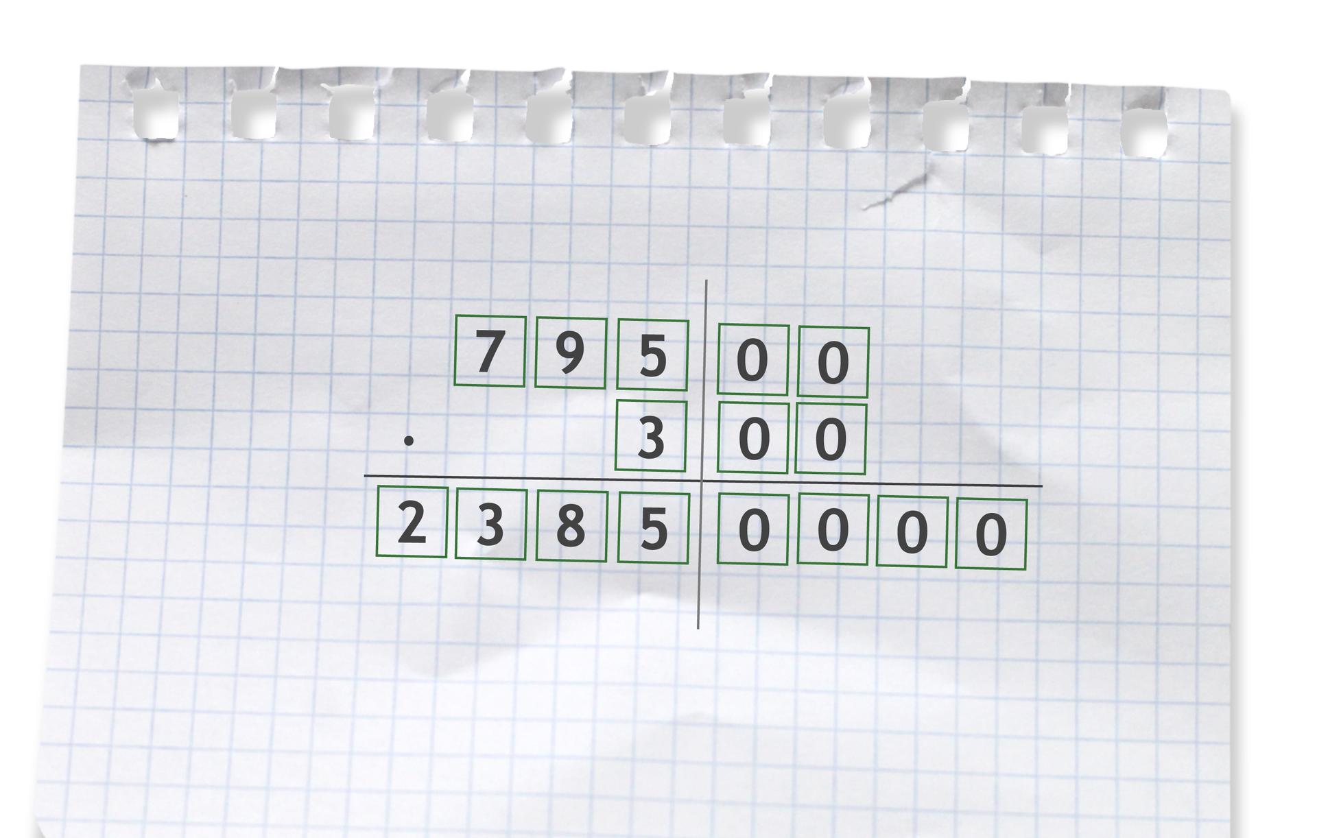 Przykład: 79500 razy 300 =23850000. Rozwiązanie zadania podpunkt c.