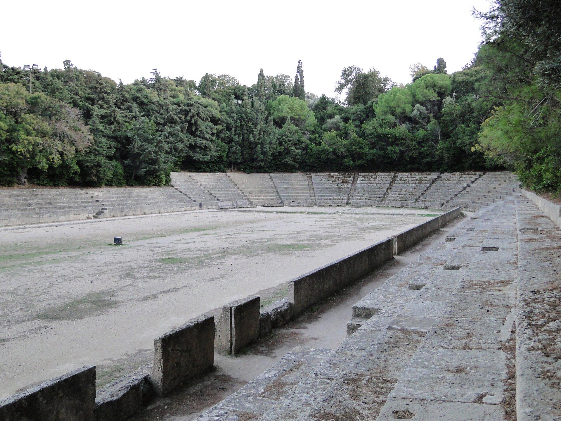 Stadion na wyspie Rodos Stadion na wyspie Rodos Źródło: Bernard Gagnon, Wikimedia Commons, licencja: CC BY-SA 3.0.