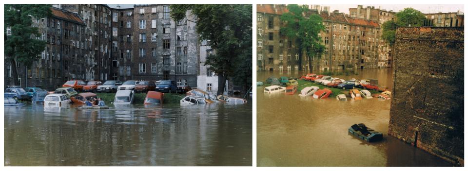 Ilustracja zawiera dwa zdjęcia przedstawiające miasto podczas powodzi na przykładzie Wrocławia latem tysiąc dziewięćset dziewięćdziesiątego siódmego roku. Na lewym zdjęciu pokazane jest podwórko otoczone starymi kamienicami. Cały teren jest zalany do wysokości połowy parteru. Na jedynym wyniesionym fragmencie terenu zaparkowane są samochody. Część zpojazdów, które nie zmieściły się na samej górze wzniesienia jest zalana do połowy. Po prawej stronie kadru widoczne samochody stojące niżej zalane po dach. Na lewo samochody zalane na wysokość kół. Przed samochodami widoczny jest ponton ztrójką ludzi wśrodku. Wtle wysokie pięciopiętrowe kamienice. Kamienice wykonane zszarej cegły. Po lewej iprawej stronie zdjęcia wysokie drzewo. Korona drzewa pokryta liśćmi. Na zdjęciu po prawej ten sam widok nieco zgóry iwszerszej perspektywie. Zdjęcie wykonane zokna jednej zkamienic. Środek zalanego zupełnie podwórka kamienicznego zajmuje wzniesienie zastawione samochodami. Kilkanaście pojazdów jest suchych, drugie tyle częściowo lub całkowicie zanurzonych wwodzie. Po prawej stronie zdjęcia widoczny jest wysoki ceglany mur. Ujego podnóża stoi duży kontener na śmieci zalany aż po klapy.