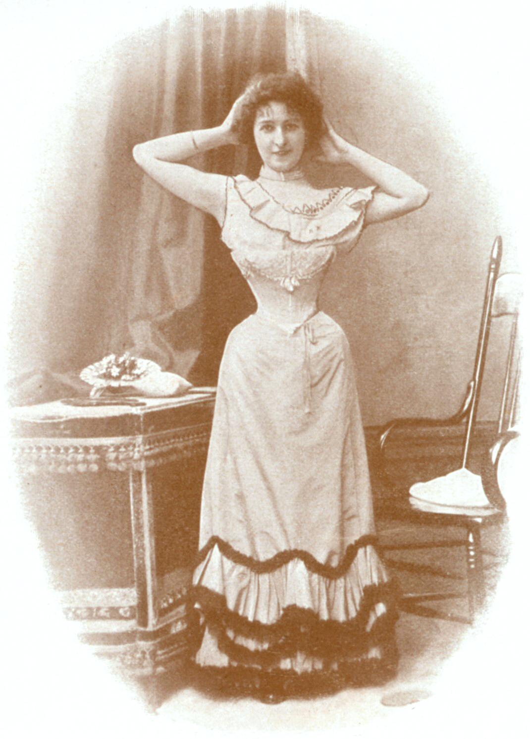Paryżanka Źródło: Dupont, Paryżanka, 1898, domena publiczna.