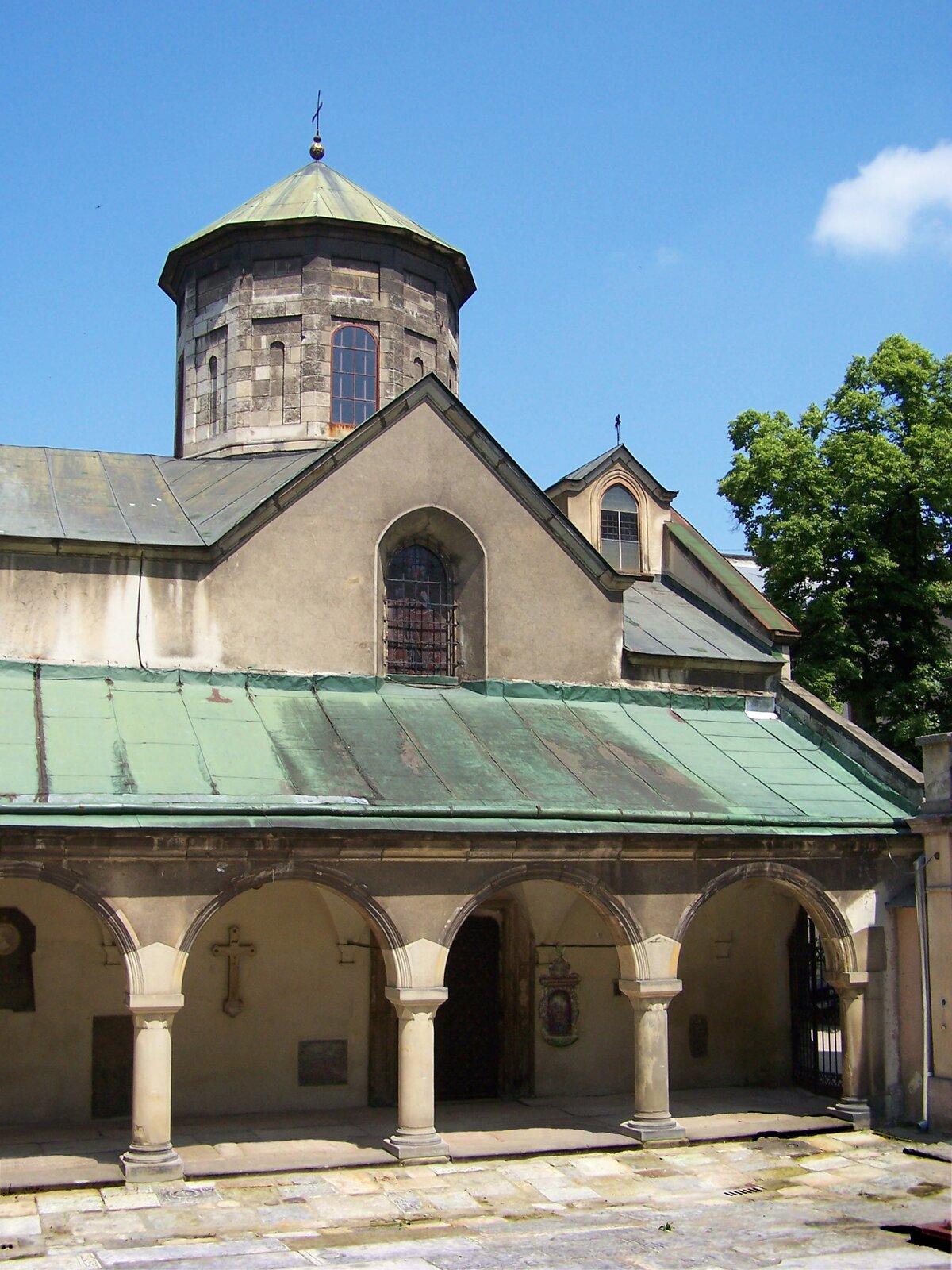 Katedra Ormiańska we Lwowie Katedra Ormiańska we Lwowie Źródło: Jan Mehlich, fotografia, Wikimedia Commons, licencja: CC BY-SA 3.0.