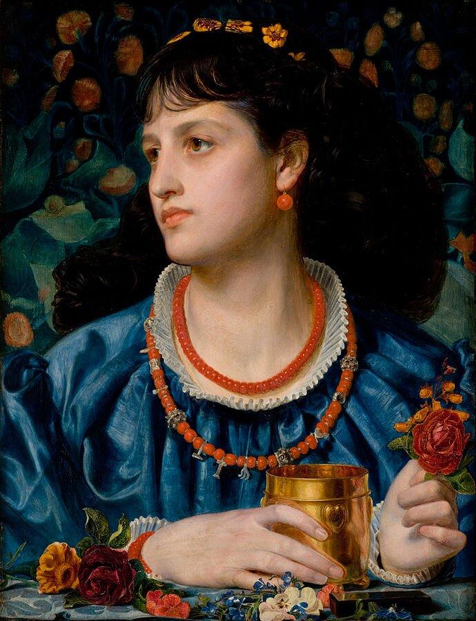 Obraz przedstawia popiersie młodej kobiety. Kobieta patrzy wprawo. Jej twarz jest poważna. Ma czarne, spięte włosy, wuszach kolczyki, na szyi dwa sznury korali. Ubrana jest wwytworną niebieską suknię. Wprawej dłoni trzyma złoty kielich, wlewej kwiat czerwonej róży. Przed jej dłońmi leżą kwiaty.