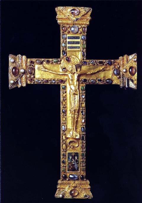 Krzyż Matyldy iOttona Krzyż Matyldy iOttona Źródło: Wikipeder, Krzyż Matyldy iOttona, Katedra wEssen, licencja: CC BY-SA 3.0.