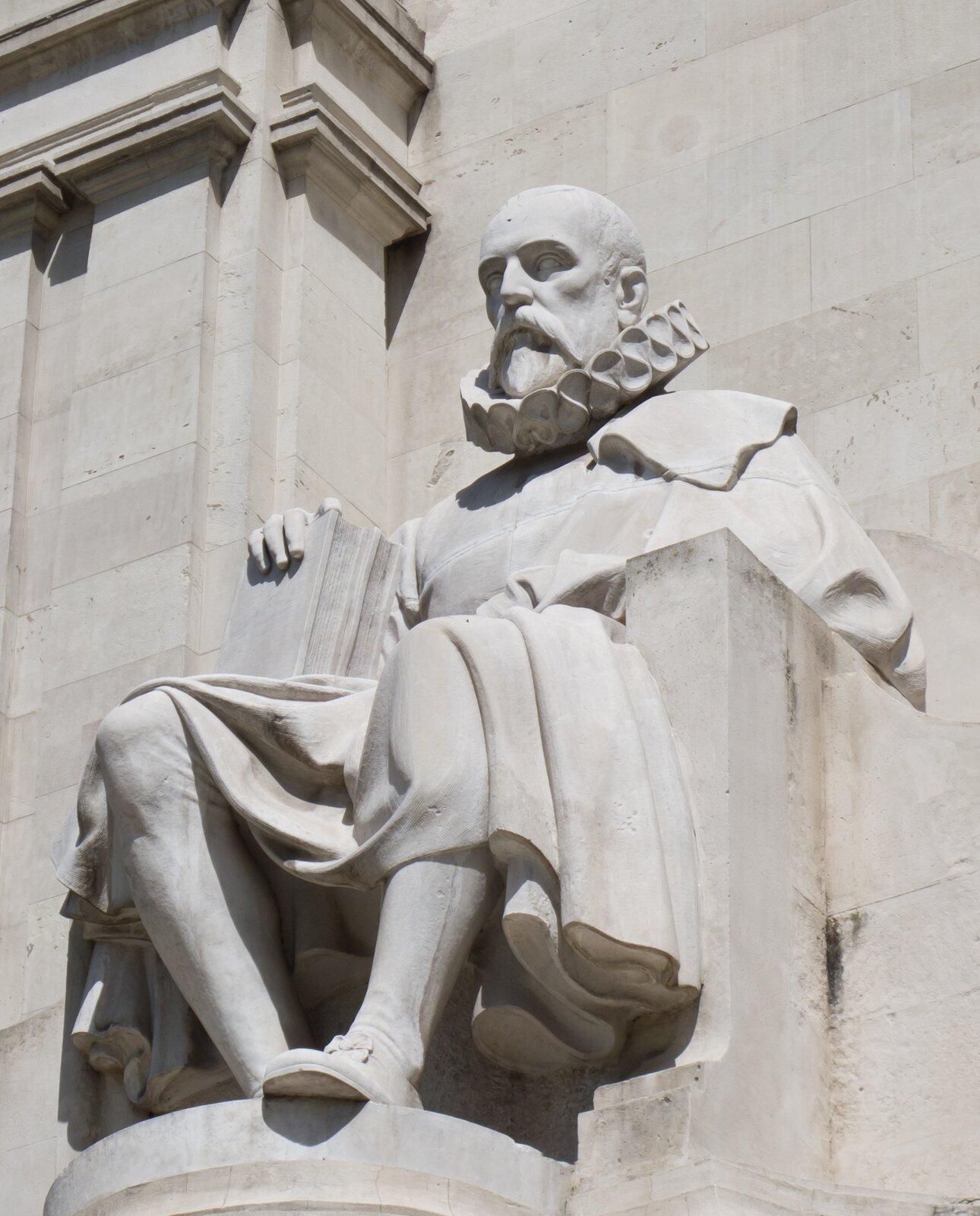 Cervantes – pomnik wMadrycie – fragment Cervantes – pomnik wMadrycie – fragment Źródło: Carlos Delgado, Wikimedia Commons, licencja: CC BY-SA 3.0.