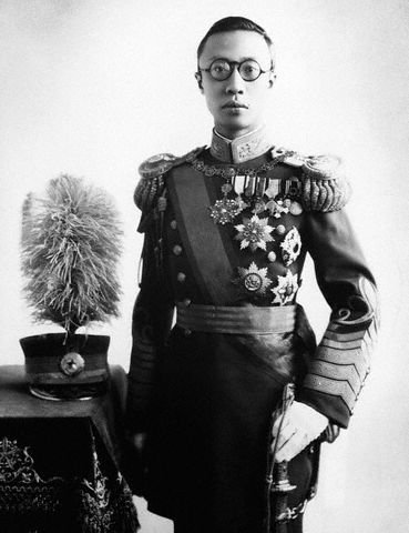 Cesarz Puyi – władca Mandżukuo Cesarz Puyi – władca Mandżukuo Źródło: domena publiczna.