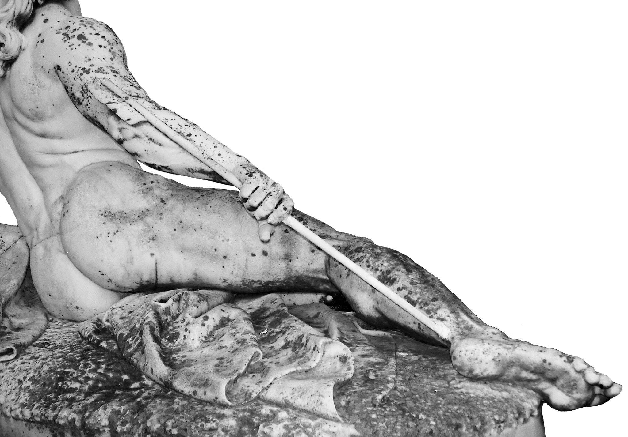 Umierający Achilles Jedynym miejscem, wktóre można było śmiertelnie ugodzić Achillesa, byłapięta. Według jednej zlegend udało się to Parysowi. Źródło: Ernst Herter, Umierający Achilles, 1884, rzeźba, Achilleion, Corfu, licencja: CC BY-SA 3.0.