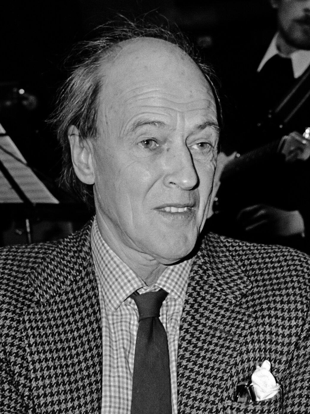 Zdjęcie - portret, Roald Dahl (BIOGRAM) Źródło: domena publiczna.