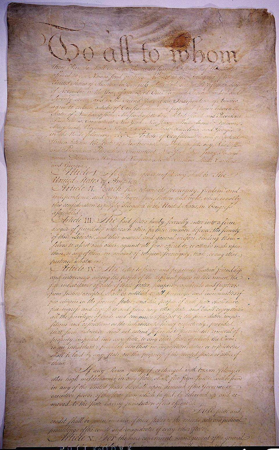 ArtykułyKonfederacji – dokument precyzujący ustrój dawnych 13 kolonii. Wdokumencie tym ratyfikowanym w1781 r. po raz pierwszy użyto nazwy nowego państwa: Stany Zjednoczone Ameryki ArtykułyKonfederacji – dokument precyzujący ustrój dawnych 13 kolonii. Wdokumencie tym ratyfikowanym w1781 r. po raz pierwszy użyto nazwy nowego państwa: Stany Zjednoczone Ameryki Źródło: The government of the United States, domena publiczna.