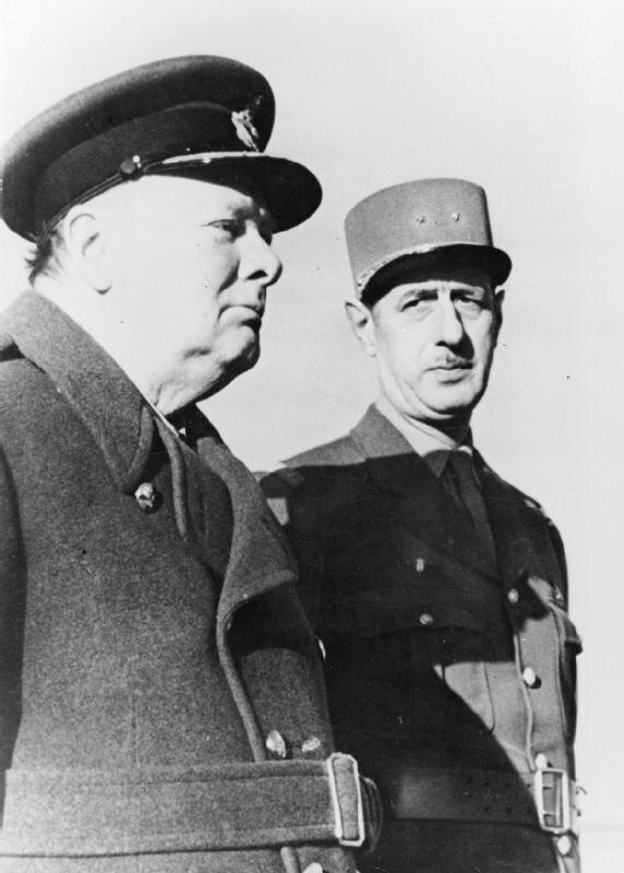 Premier Wielkiej Brytanii Winston Churchill igen. Charles de Gaulle Źródło: British Government, Premier Wielkiej Brytanii Winston Churchill igen. Charles de Gaulle , Imperialne Muzeum Wojny, domena publiczna.