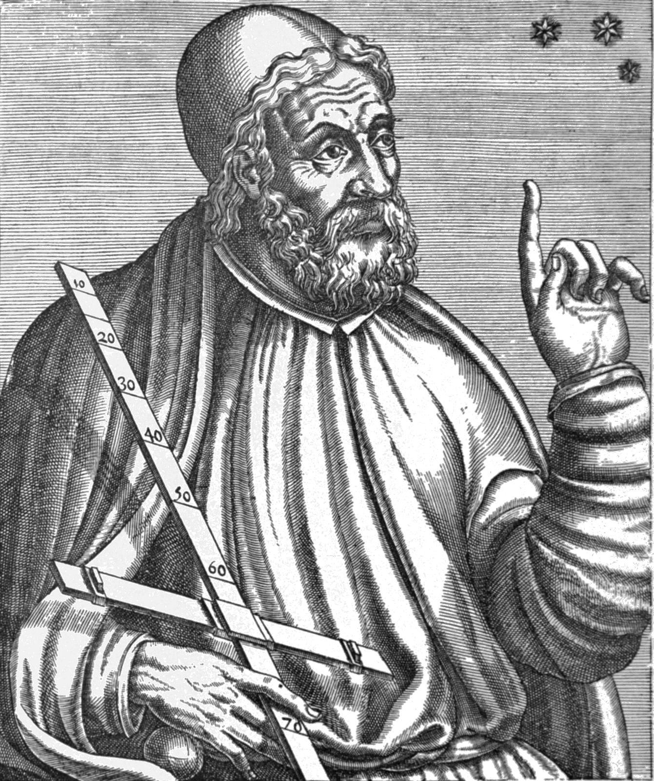 Ilustracja przedstawia Klaudiusza Ptolemeusza. Na rysunku mężczyzna wwieku ok. 60-70 lat Falujące włosy, gęsta, krótka broda. Nos prosty. Na czole widoczne poziome zmarszczki. Lewa ręka uniesiona zwyciągniętym palcem wskazującym. Mężczyzna ubrany wluźne szaty.