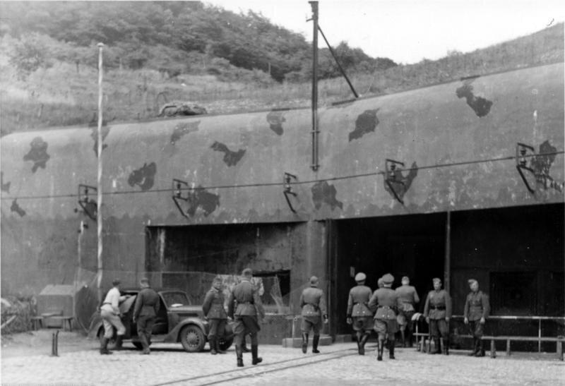 Niemieccy żołnierze na linii Maginota Źródło: Niemieccy żołnierze na linii Maginota, Fotografia, Bundesarchiv, licencja: CC BY-SA 3.0.