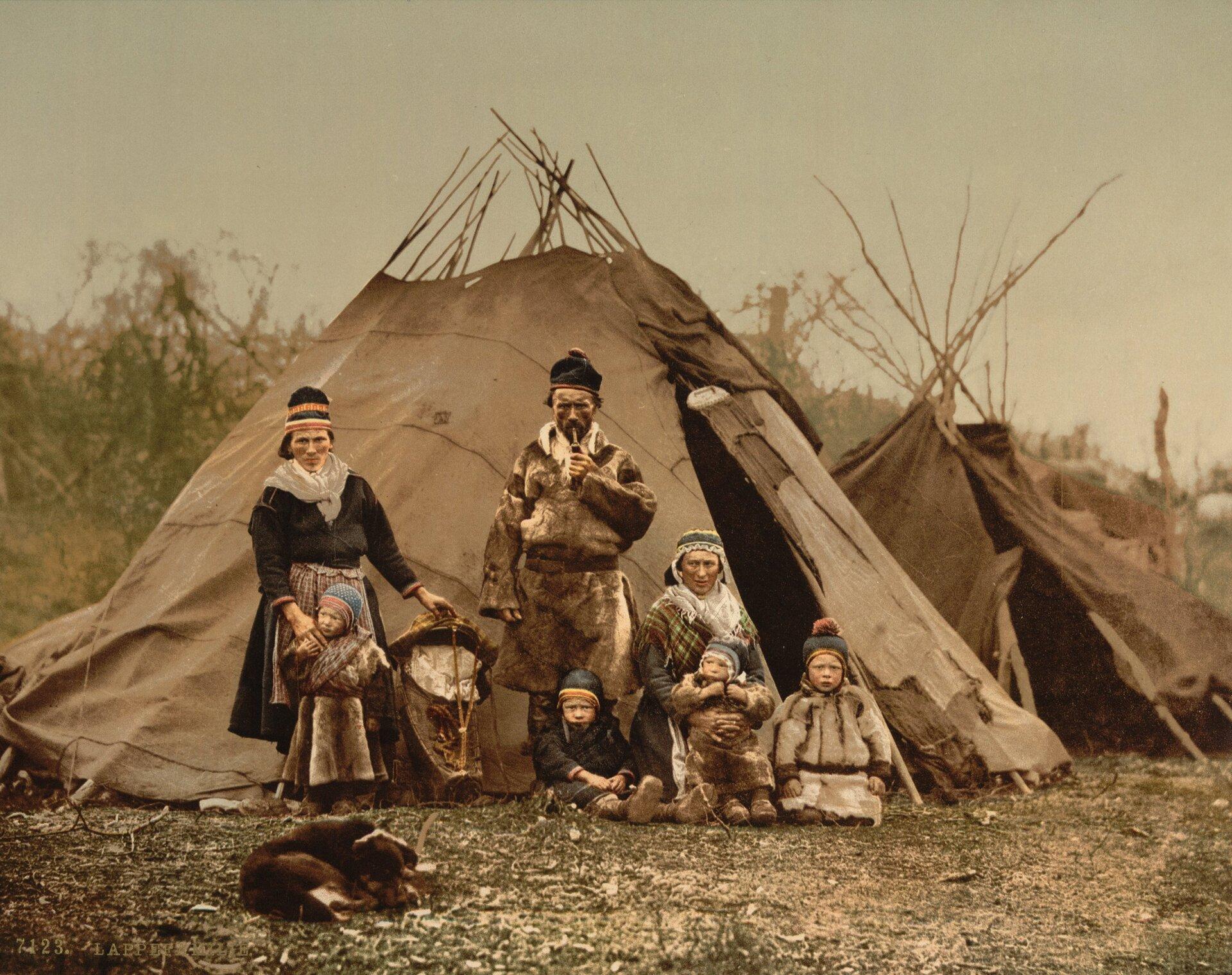 Rodzina Lapończyków, ok. 1900 Rodzina Lapończyków, ok. 1900 Źródło: domena publiczna.