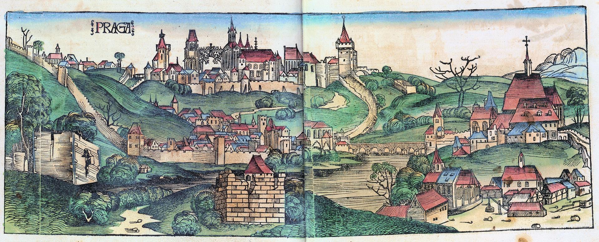 Widok Pragi zzamkiem na Hradczanach z1493 r. Kolorowanydrzeworyt ztzw.Kroniki Schedla wydanej wNorymberdzie w1493 r. – autorami ryciny byli: Michel Wolgemut, Wilhelm Pleydenwurff Źródło: Wilhelm Pleydenwurff, Michel Wolgemut, Widok Pragi zzamkiem na Hradczanach z1493 r., 1493, domena publiczna.