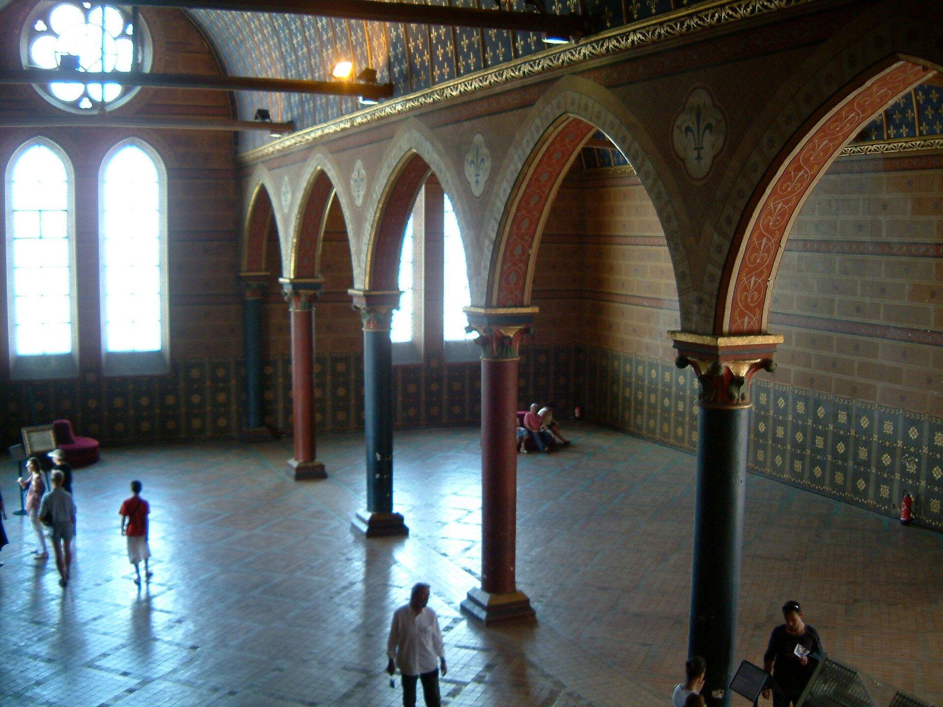Wielka sala wzamku wBlois, wktórej odbyły się zgromadzenia Stanów Generalnych Francji wl. 1576-1577. Wielka sala wzamku wBlois, wktórej odbyły się zgromadzenia Stanów Generalnych Francji wl. 1576-1577. Źródło: Christophe Finot, Wikimedia Commons, licencja: CC BY-SA 2.5.