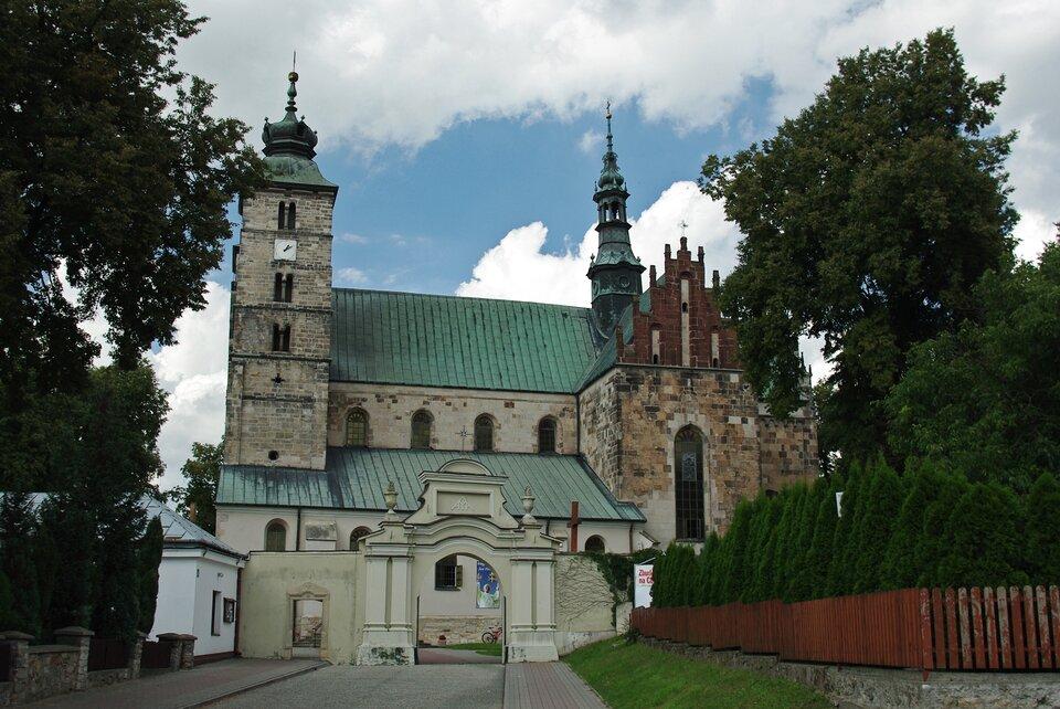 Kościół wOpatowie, wktórym odbywałsię sejmik województwa sandomierskiego Kościół wOpatowie, wktórym odbywałsię sejmik województwa sandomierskiego Źródło: Lopcio, licencja: CC BY-SA 3.0.