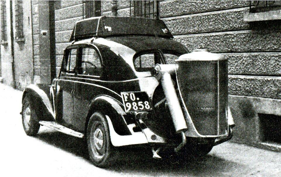Samochód zgeneratorem gazu drzewnego