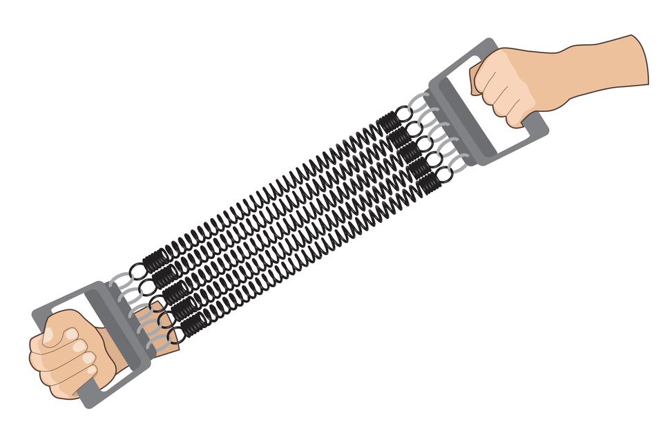 Ilustracja przedstawia sprężynę do ćwiczeń. Urządzenie składa się zdwóch uchwytów ikilku sprężyn. Uchwyty są połączone sprężynami. Na ilustracji pokazano ręce, które trzymają urządzenie za uchwyty irozciągają sprężyny.