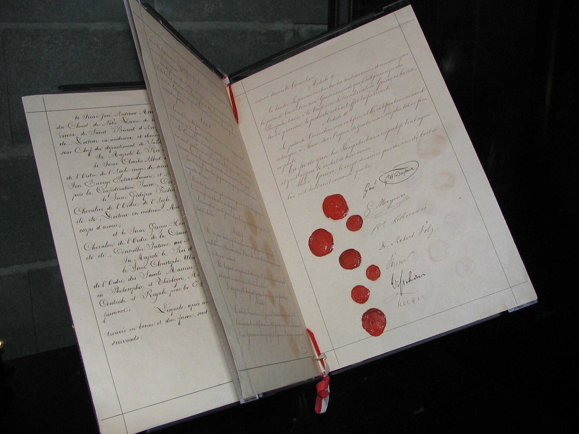 Oryginalny dokument pierwszej konwencji genewskiej, 1864 Źródło: Kevin Quinn, Oryginalny dokument pierwszej konwencji genewskiej, 1864, licencja: CC BY 2.0.