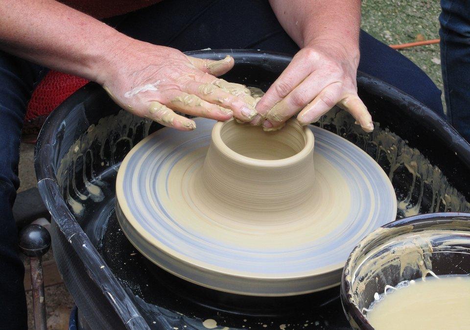 Warsztat ceramiczny Warsztat ceramiczny Źródło: licencja: CC 0.