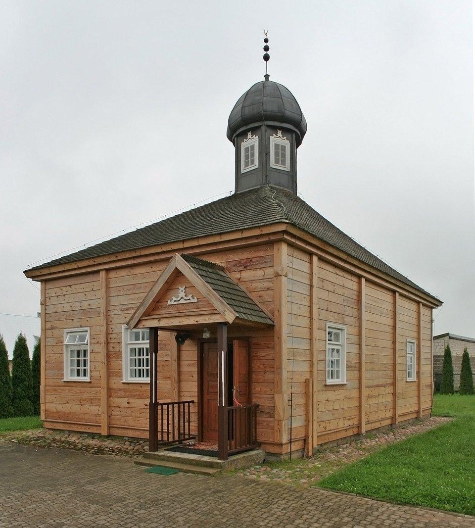 Meczet we wsi Bohoniki Meczet we wsi Bohoniki Źródło: Yarl, Wikimedia Commons, licencja: CC BY-SA 3.0.