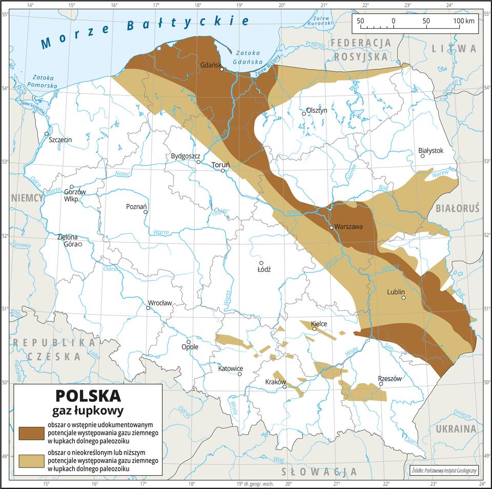 Ilustracja przedstawia mapę Polski. Na mapie przedstawiono występowanie gazu łupkowego. Kolorem ciemnobrązowym przedstawiono obszar owstępnie udokumentowanym potencjale występowania gazu ziemnego, aobszarem jasnobrązowym – obszar onieokreślonym lub niższym potencjale występowania gazu ziemnego. Oba obszary występowania gazu łupkowego biegną zpółnocy na południowy wschód iobejmują województwo pomorskie, północną część województwa warmińsko-mazurskiego, północno-zachodnią część województwa kujawsko-pomorskiego, centralną część województwa mazowieckiego iwojewództwo lubelskie przy czym kolor ciemnobrązowy ma znacznie węższy zasięg niż kolor jasnobrązowy. Na mapie przedstawiono granice województw, przedstawiono iopisano hydrografię oraz miasta wojewódzkie. Dookoła mapy wbiałej ramce opisano współrzędne geograficzne co jeden stopień. Na dole mapy wlegendzie opisano kolory użyte na mapie.