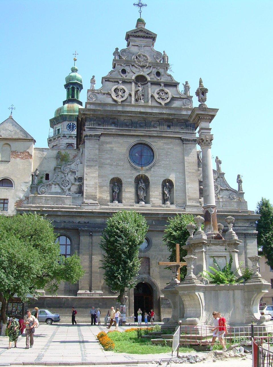 Lwów -kościół bernardynów, widok zzewnątrz Lwów -kościół bernardynów, widok zzewnątrz Źródło: Janmad, Wikimedia Commons, licencja: CC BY 3.0.