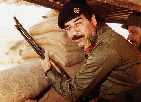 Saddam Husajn (1937–2006)– iracki polityk, dyktator Saddam Husajn (1937–2006)– iracki polityk, dyktator Źródło: AFP/Getty-images, Fotografia, domena publiczna.