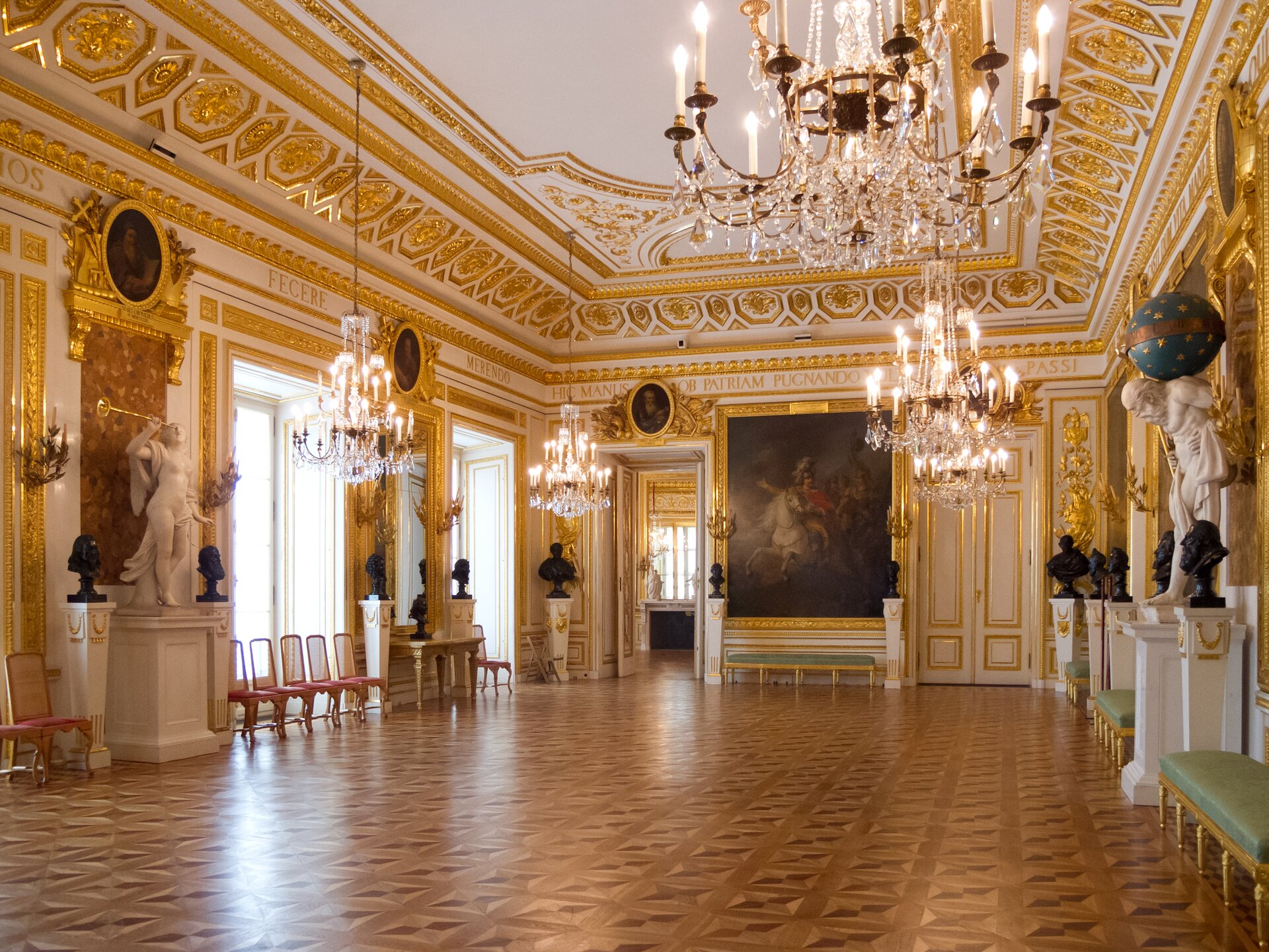 Sala tronowa wZamku Królewskim wWarszawie Sala tronowa wZamku Królewskim wWarszawie Źródło: Carlos Delgado, Wikimedia Commons, licencja: CC BY-SA 3.0.