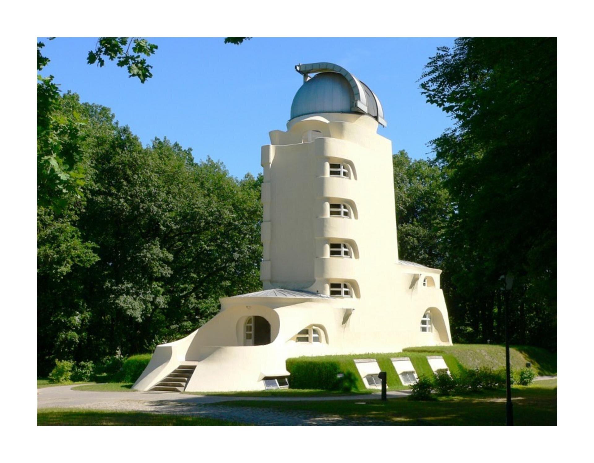 Wzadaniu zostało wykorzystane zdjęcie przedstawiajace wieżę Einsteina wPoczdamie autorstwa Ericha Mendelsohna.
