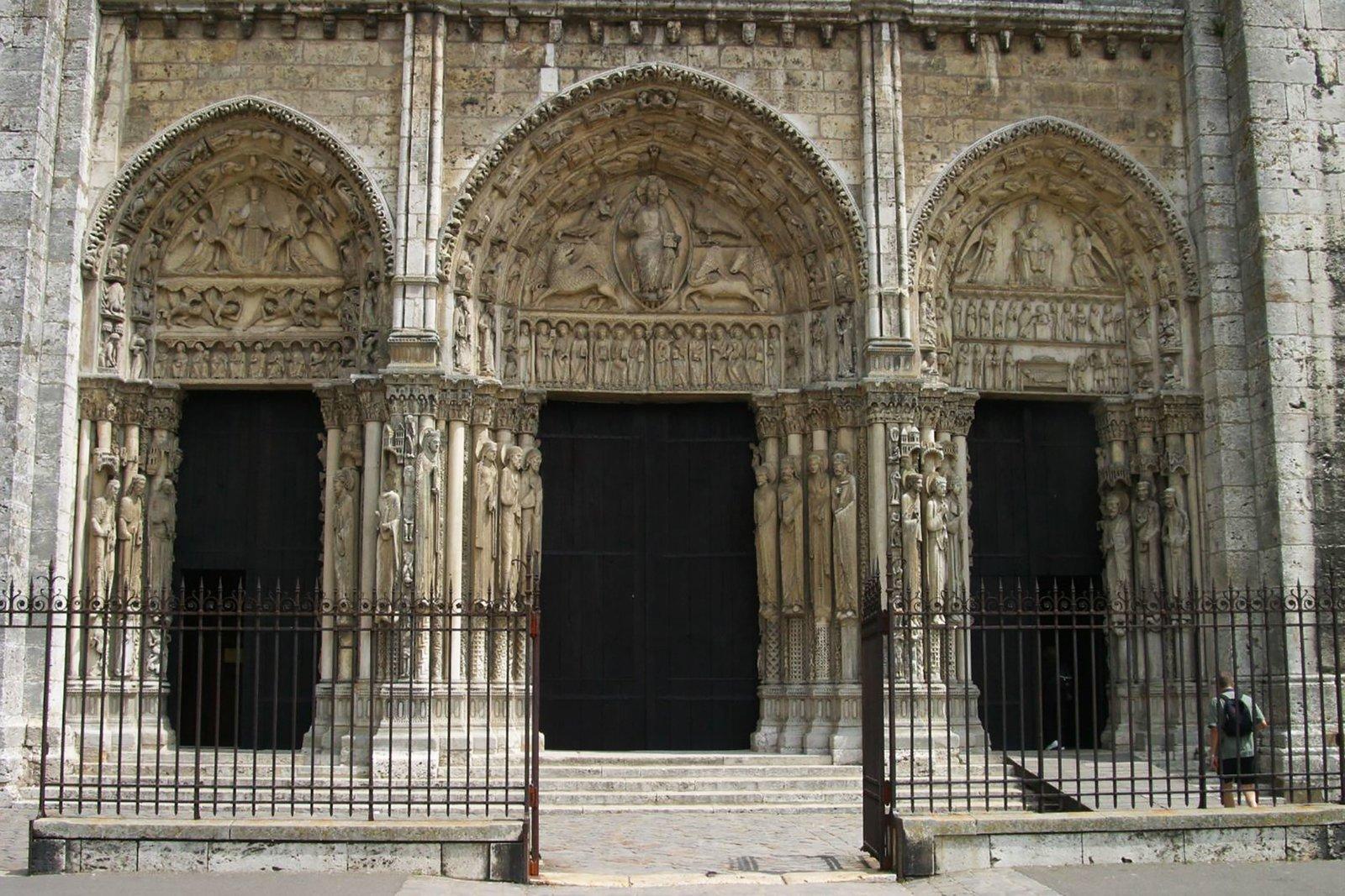 Katedra wChartres, Portal Królewski Katedra wChartres, Portal Królewski Źródło: Nina Aldin Thune, licencja: CC BY-SA 3.0.