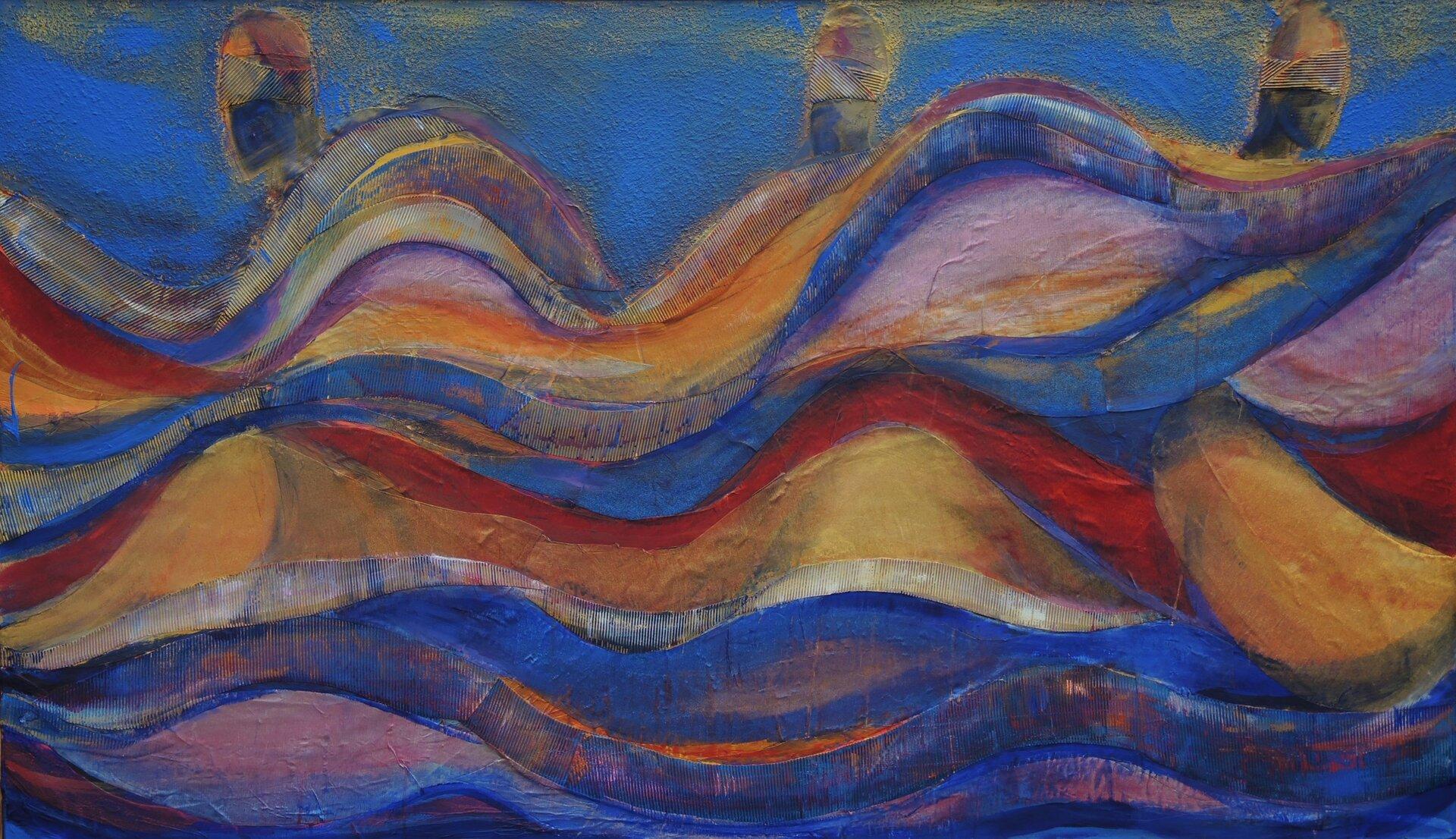 """Ilustracja przedstawia obraz """"Taniec Oya 2"""" autorstwa Justyny Grzebieniowskiej-Wolskiej. Artystka, przy pomocy figur geometrycznych oraz wyrazistych kolorów stworzyła kompozycję abstrakcyjną, która wswej formie nawiązuje do pejzażu. Poziome faliste podziały przypominają fale morskie. Trzy proste kształty, podobne do statków unoszą się na górnej krawędzi łuków. Płasko malowane płaszczyzny przeplatają się zlaserunkami iprzecierkami. Dominującym kolorem dynamicznej kompozycji jest niebieski przeplatany czerwieniami, różami iciepłymi żółciami. Dzieło wykonane jest wtechnice własnej."""