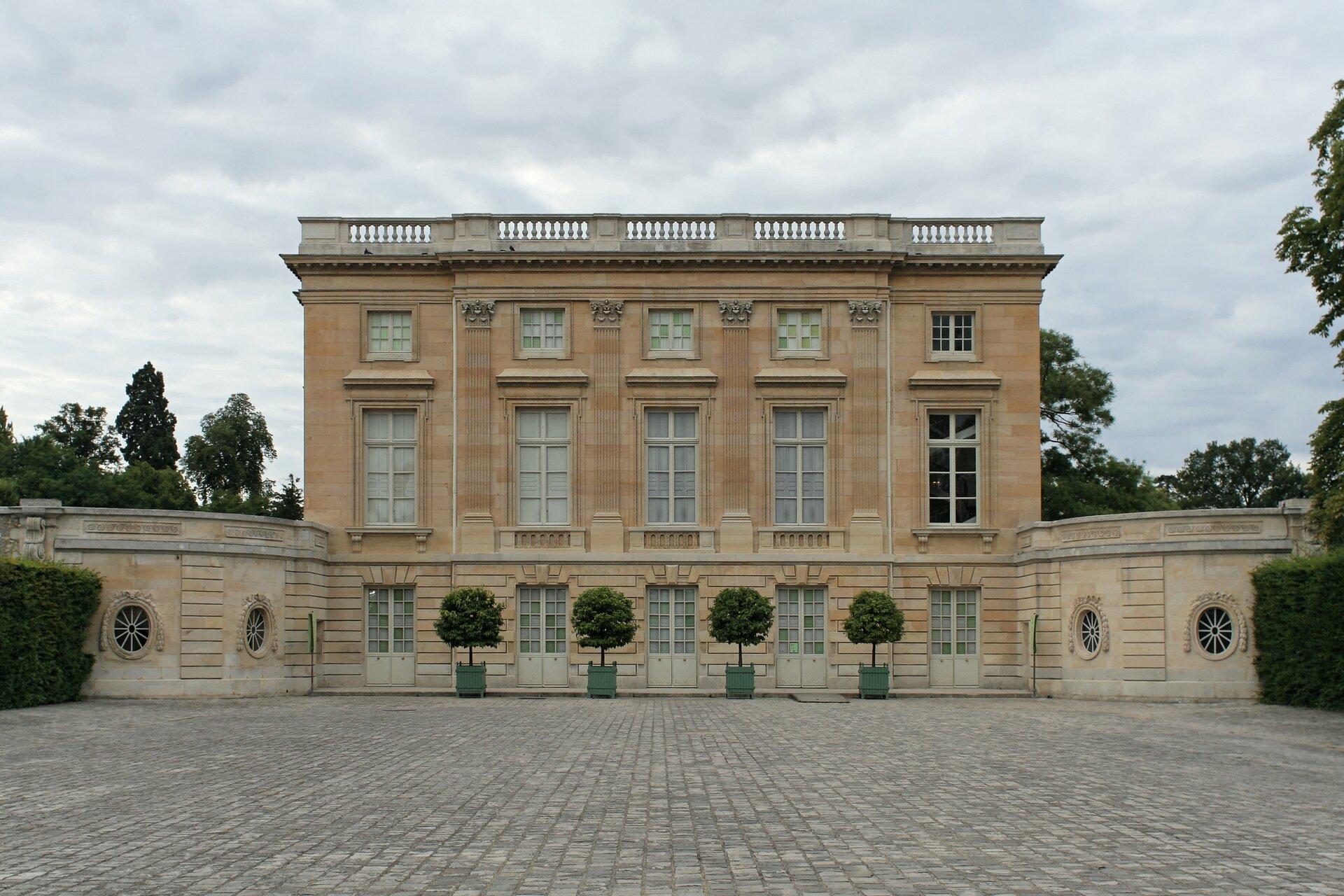 Petit Trianon Petit Trianon Źródło: Coyau, Wikimedia Commons, licencja: CC BY-SA 3.0.