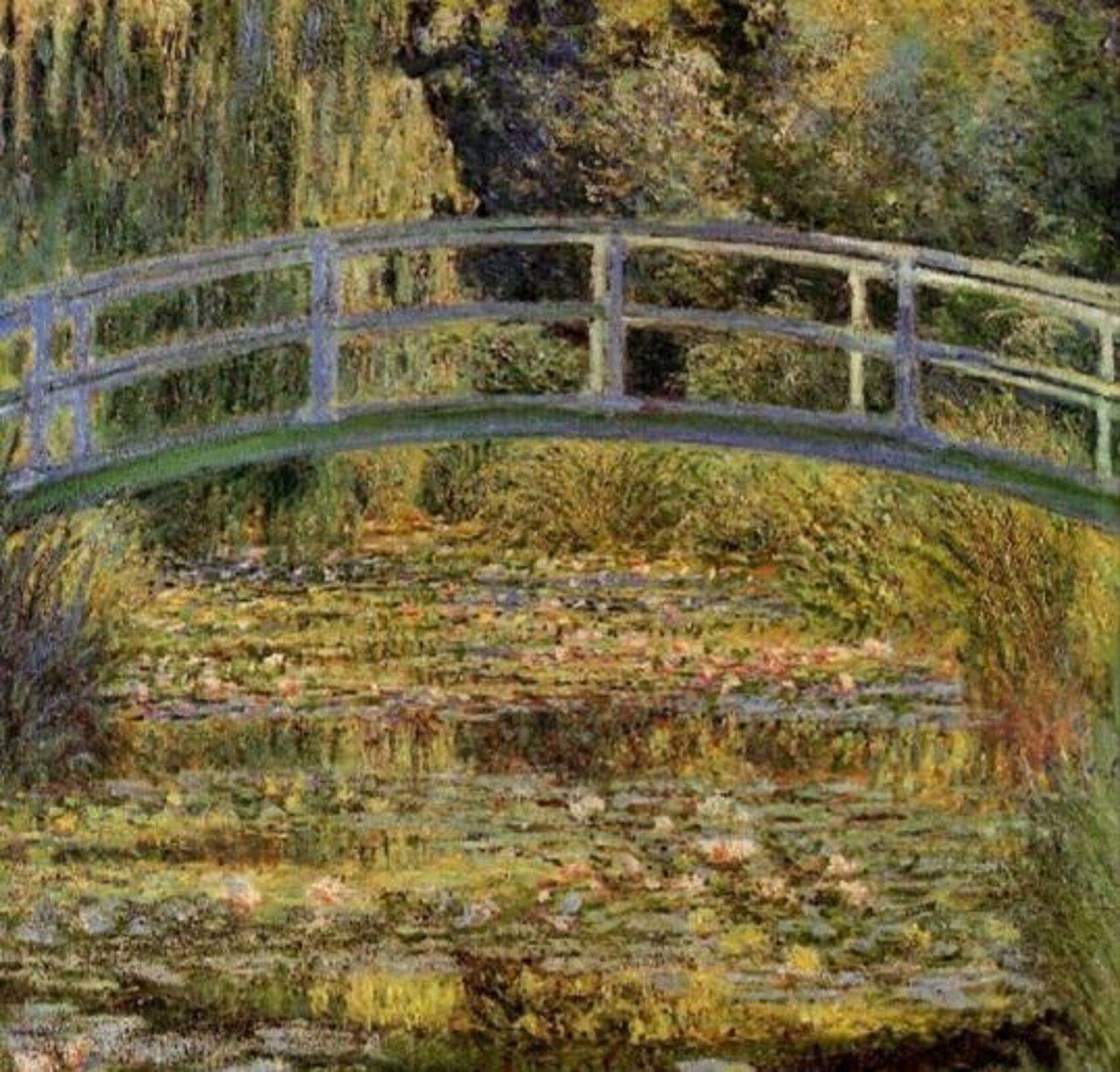 Fotografia przedstawia obraz Claude Monet pt. Staw znenufarami w1899 roku. Monet uwielbiał obserwować staw zliliami wodnymi, śledził różowe izielonkawe odblaski na nieruchomej wodzie, odbicia drzew iobłoków, odcienie nenufarów, kołysanie się wyścielających dno roślin icień przerzuconego przez staw japońskiego mostku.