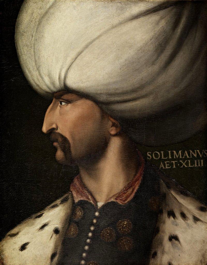 Sulejman Wspaniały Sulejman Wspaniały, zwany też Prawodawcą – sułtan osmański przez prawie pół wieku. Pod jego panowaniem Imperium Osmańskie osiągnęło szczyt swojej potęgi. Źródło: Cristofano dell'Altissimo, Sulejman Wspaniały, ok. 1550 r., olej na płótnie, Galeria Uffizi, domena publiczna.