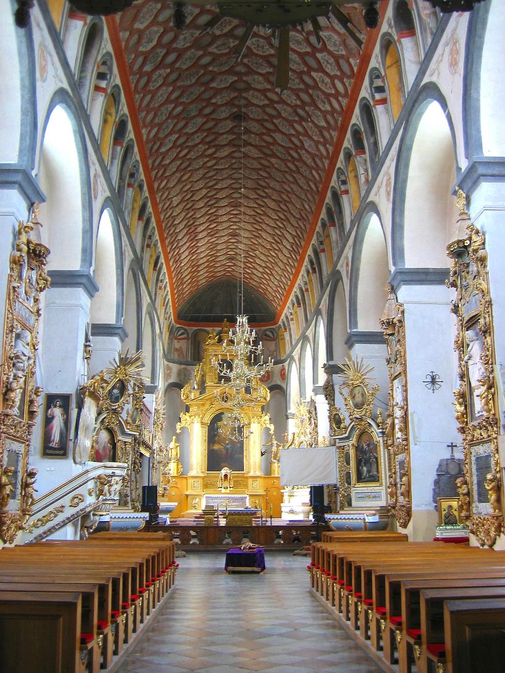 Kościół kolegiacki wPułtusku - sklepienie Kościół kolegiacki wPułtusku - sklepienie Źródło: Maciej Szczepańczyk, Wikimedia Commons, licencja: CC BY 3.0.