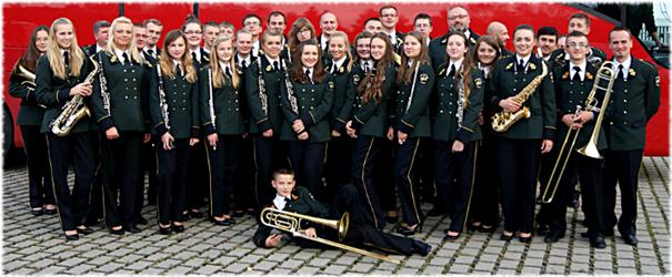 Młodzieżowa Orkiestra Dęta Ochotniczej Straży Pożarnej wKaskach Młodzieżowa Orkiestra Dęta Ochotniczej Straży Pożarnej wKaskach Źródło: Krystyna Krzemińska, licencja: CC BY-SA 3.0.