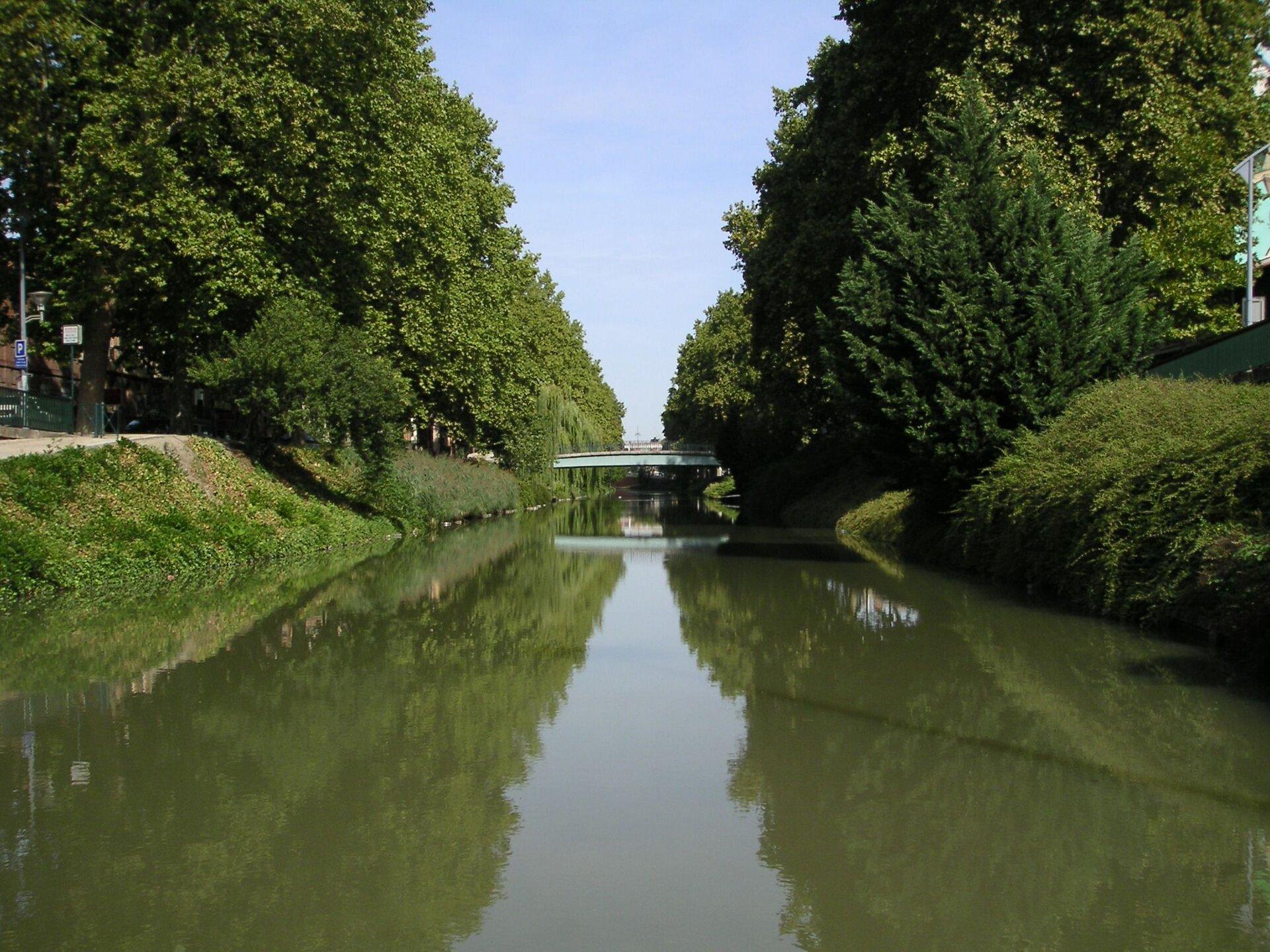 Kanał południowy we Francji – powstał wXVII w. Kanał południowy we Francji – powstał wXVII w. Źródło: Wojsyl, Wikimedia Commons, licencja: CC BY-SA 3.0.