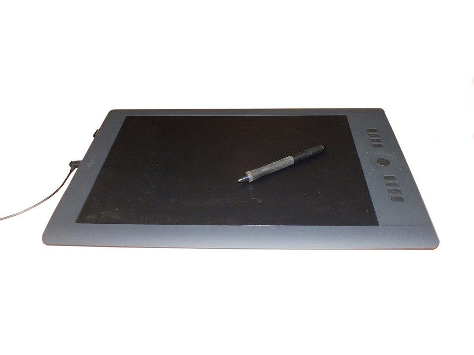 Fotografia przedstawiająca tablet graficzny
