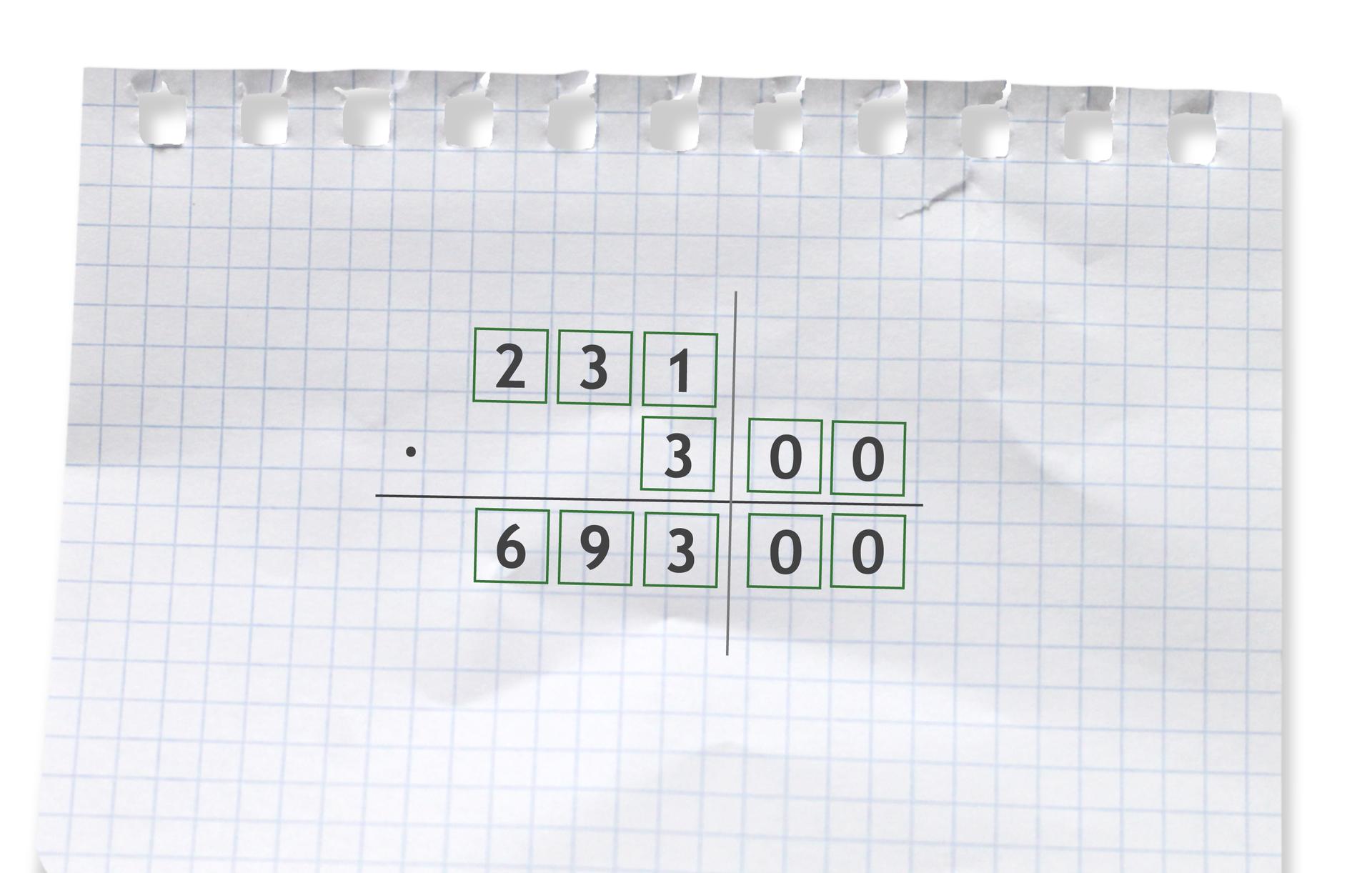 Przykład: 231 razy 300 =69300. Rozwiązanie zadania podpunkt a.