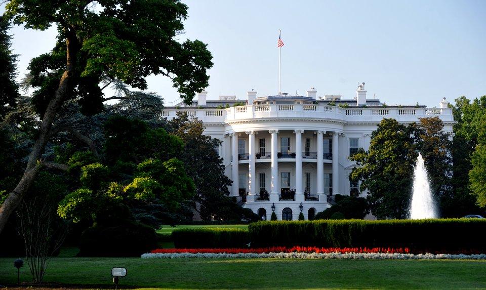 Biały Dom wWaszyngtonie, widok od strony południowej Biały Dom wWaszyngtonie, widok od strony południowej Źródło: Cezary p, Wikimedia Commons, licencja: CC BY-SA 4.0.