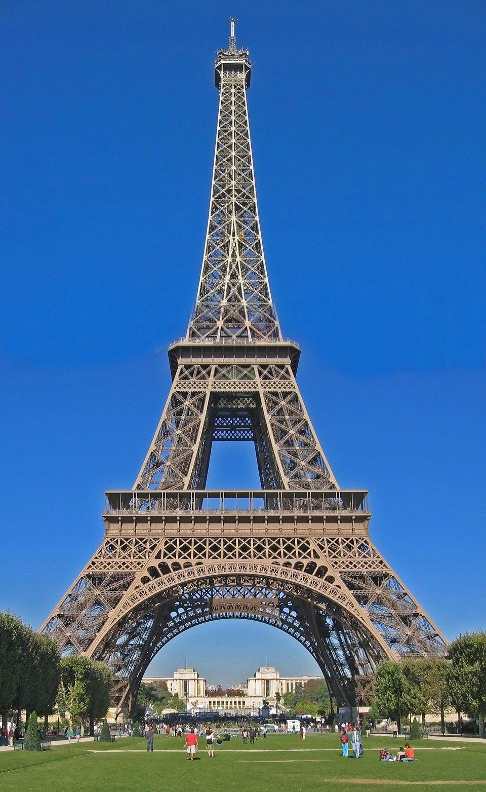 Wieża Eiffla wParyżu Wieża Eiffla wParyżu Źródło: Kscolan, domena publiczna.
