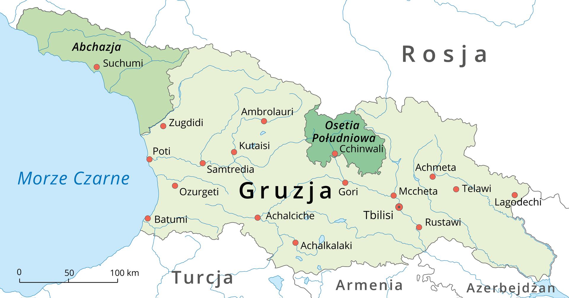 Na ilustracji mapa polityczna. Abchazja iPołudniowa Osetia na terytorium Gruzji. Państwa te wydzielone kolorem ciemniejszym zielonym wobrębie jasnozielonej Gruzji. Gruzja graniczy na północy zRosją, na południu zTurcją, Armenią iAzerbejdżanem. Zlewej strony Morze Czarne, kolor niebieski.