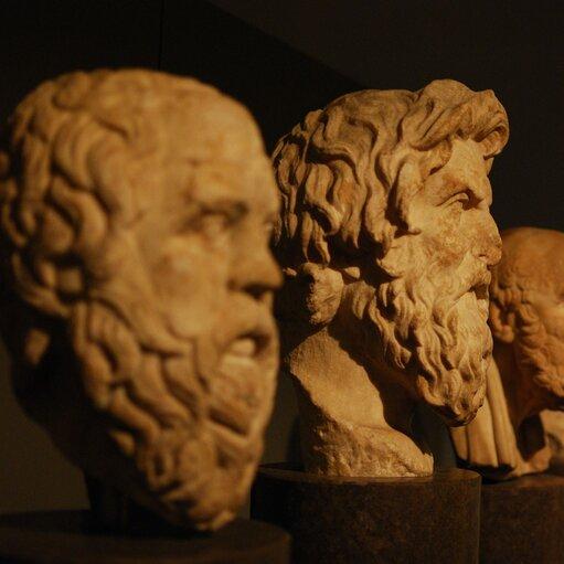 Śladami wielkich filozofów – wpływ iznaczenie systemów filozoficznych Platona iArystotelesa