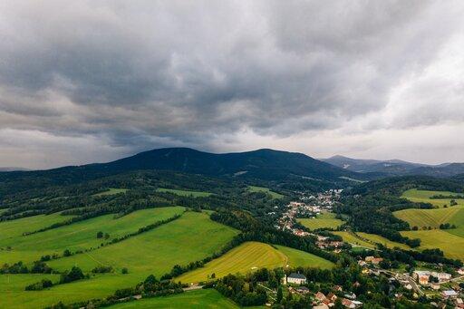 Krajobrazy Polski: krajobraz górski ponad granicą lasu (np. Karkonosze)