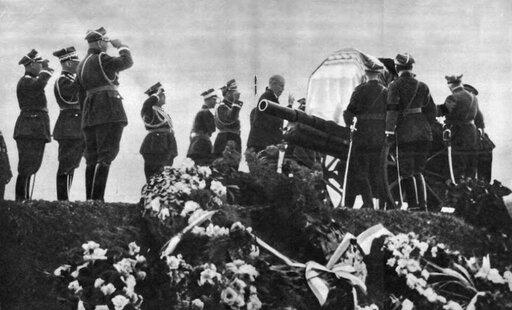 Konstytucja kwietniowa. Obóz sanacji po śmierci Józefa Piłsudskiego