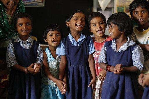 Przyczyny iskutki zróżnicowania poziomu zaspokojenia potrzeb edukacyjnych wwybranych regionach świata