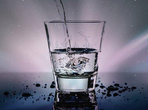 Jak przebiega proces uzdatniania wody pitnej za pomocą ozonu?