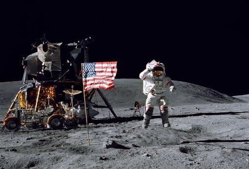 0262 Dlaczego na Księżycu się skacze wyżej niż na Ziemi?