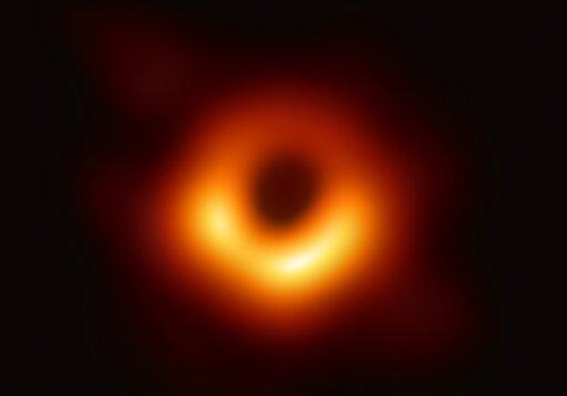 0936 Skąd wnioskować oobecności czarnych dziur?